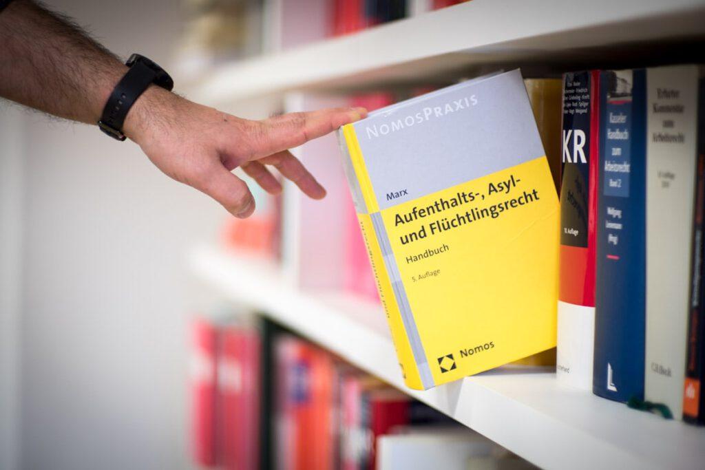 Anwalt für Einbürgerungsrecht Köln